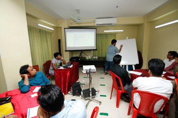 chattogram-presidency-teachers-workshop-2019-12FED5DE6-2281-9C59-6D3A-A63AC35B8673.jpg